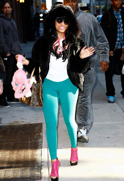 http://livelyindepthmusicentertainment.files.wordpress.com/2010/02/nicki-minaj-2.jpg?w=412&h=600