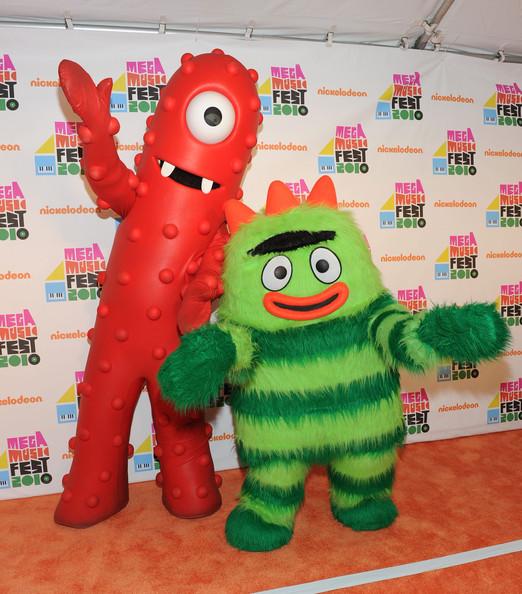 Yo Gabba Gabba! characters Muno and Brobee