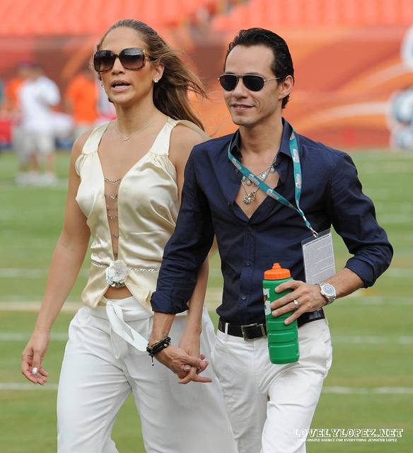 Kim k fergie marc anthony j lo at the new york jets for Marc anthony neck tattoo
