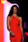 Camila+Alves+Heart+Truth+Runway+Fall+2011+IFIbRMpgHbLl