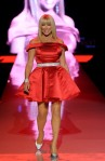 Suzanne+Somers+Heart+Truth+Runway+Fall+2011+lgN3-kcHZbGl