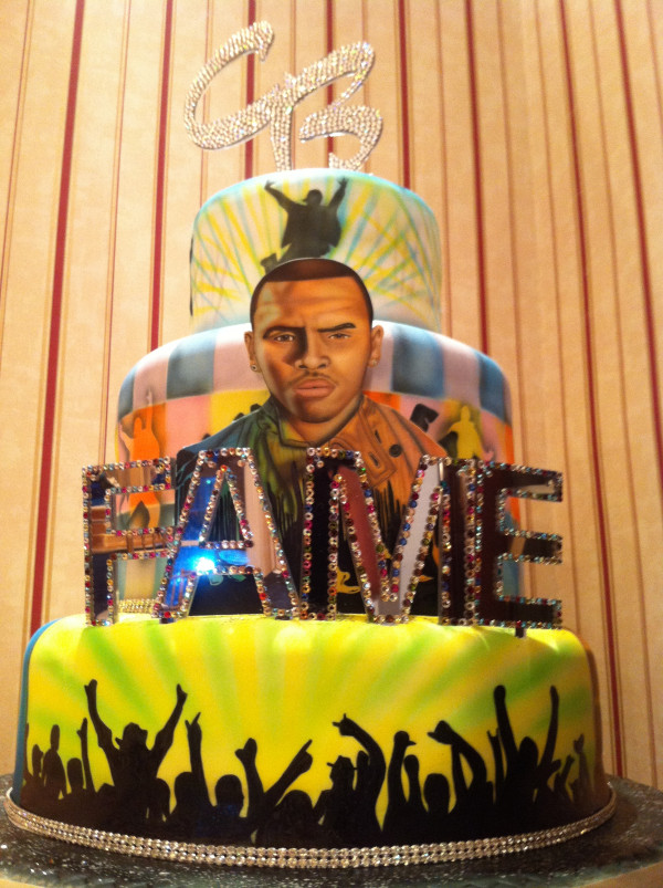 Photos Chris Brown Parties The Night Away At 22nd Birthday Bash