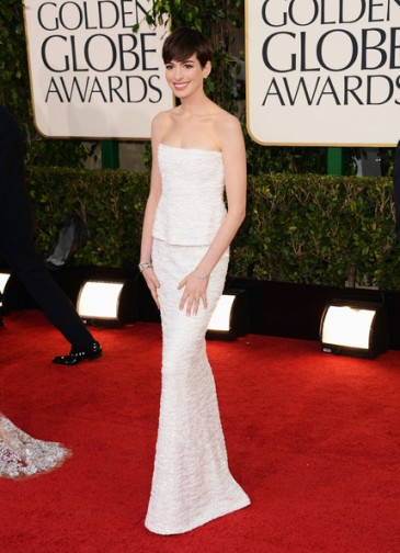2013-goldenglobes-hathaway
