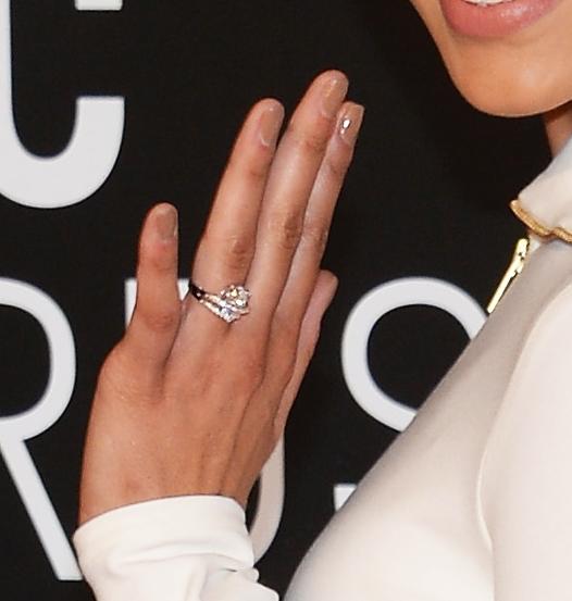 Jordin sparks sports big sparkler on ring finger for Jordin sparks wedding ring