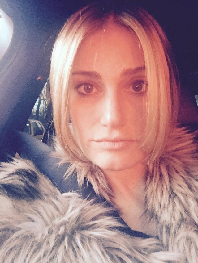 Idina Menzel Channels Elsa With New Blonde Do